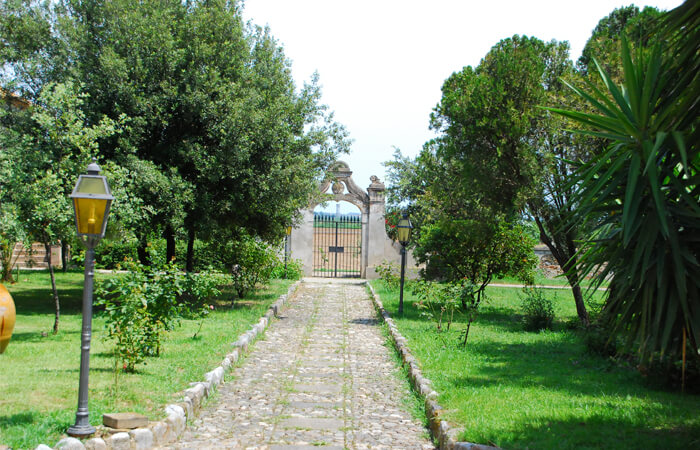 ファベッラの門