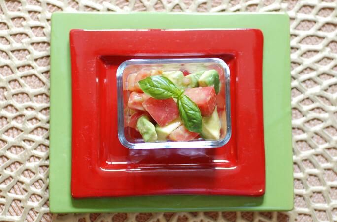 アボガドとトマトの簡単サラダ