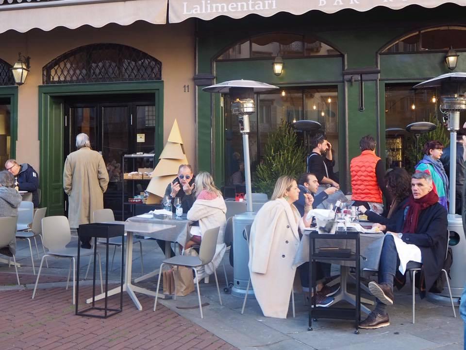 真冬でもオープンエアが好きなイタリア人