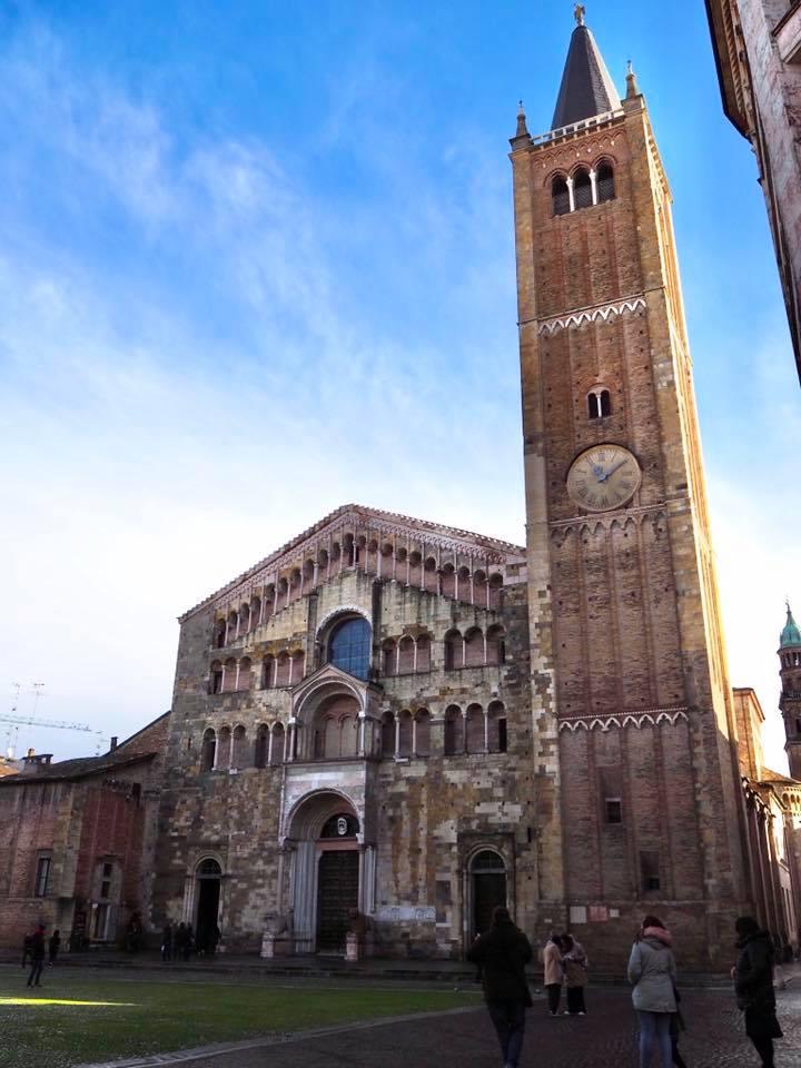 パルマ大聖堂ドゥオーモの外観は地味ですが、是非内部をご覧ください。