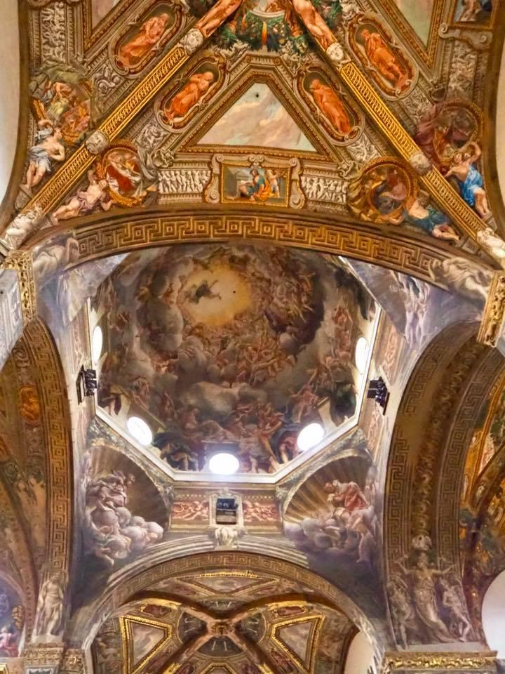 1526から1530年にかけて描かれた≪聖母被昇天≫は一見の価値があります