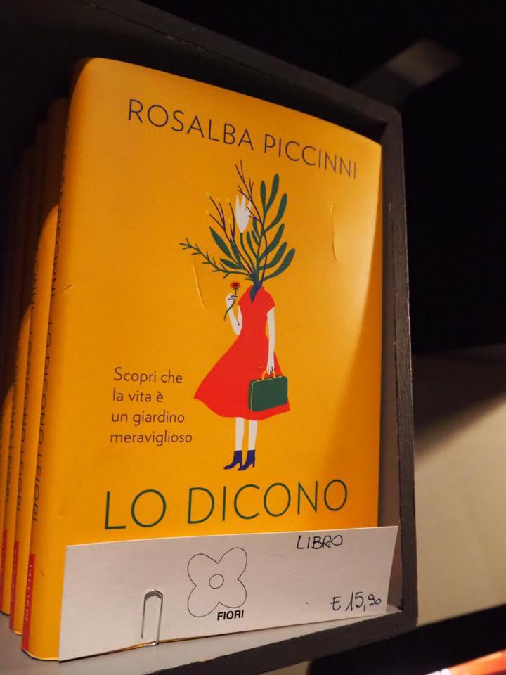 ロザルバさんの本はフラワーショップやリストランテでも購入できます