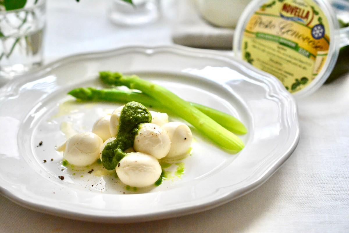 モッツァレラチーズとジェノベーゼペーストの前菜