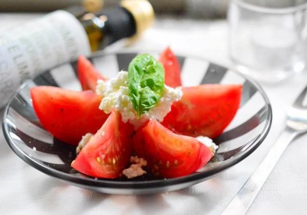 バルサミコ酢のトマトサラダ