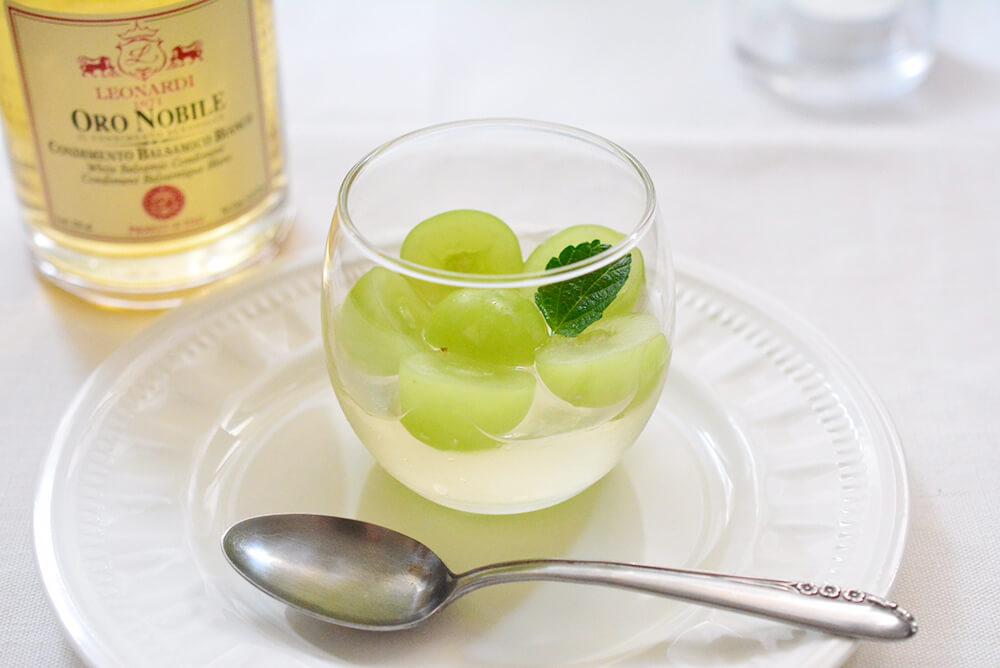 シャインマスカットの白ワインゼリー