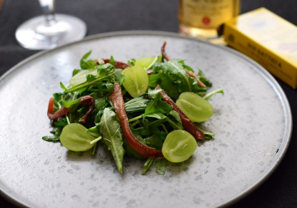 ルッコラとアンチョビのサラダ