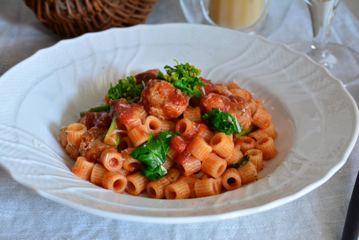 肉団子(ポルペッテ)入りトマトソースのトゥベッティ