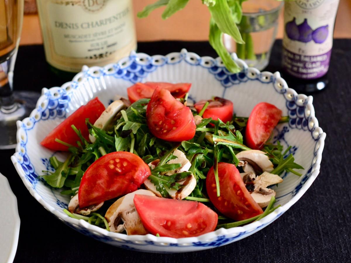 ルッコラとトマトのバルサミコ酢サラダ