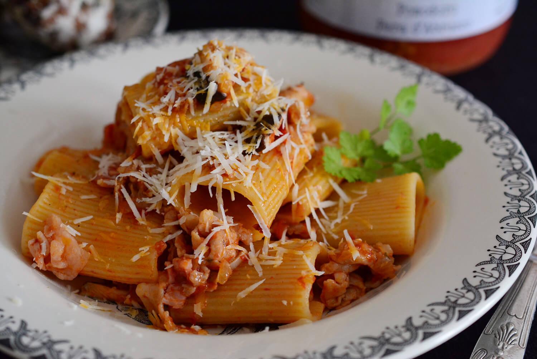 トゥッフォリ 豚バラ肉と椎茸のトマトソース