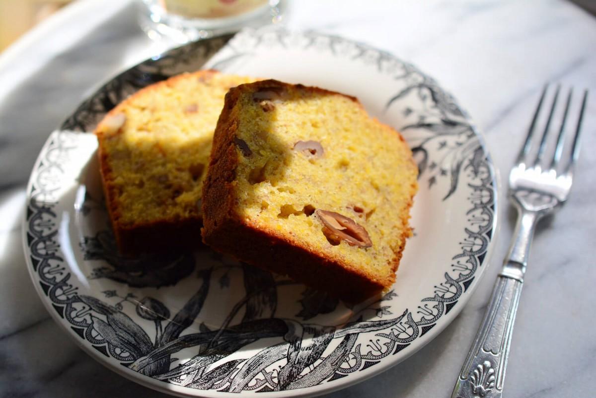 ポレンタの粉のバナナケーキ