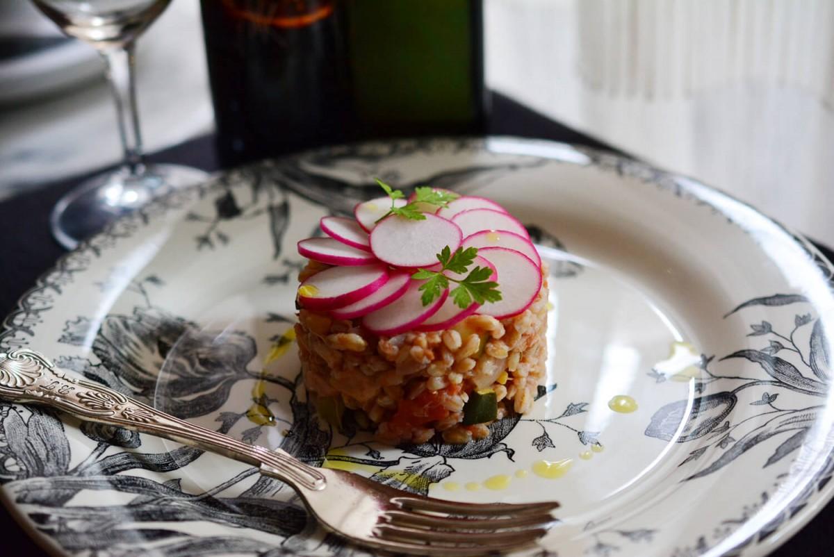 ファッロと夏野菜のサラダ
